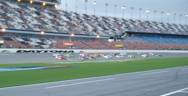 Start of the 2007 Daytona Prototype race at Daytona International Speedway